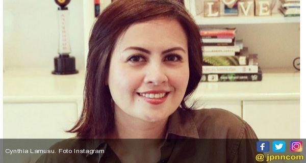 Tips Menjaga Kecantikan Rambut Ala Cynthia Lamusu Jpnn Com