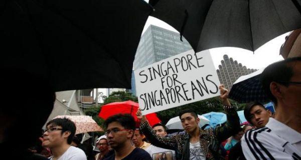 Susah Dapat Kerja, Warga Singapura Gelar Demo Anti-Imigran - JPNN.com