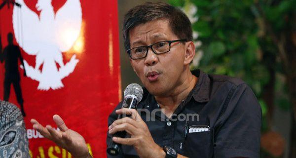 Keras Rocky Gerung Sikat Pemerintahan Jokowi Soal Perpres Investasi Miras Jpnn Com