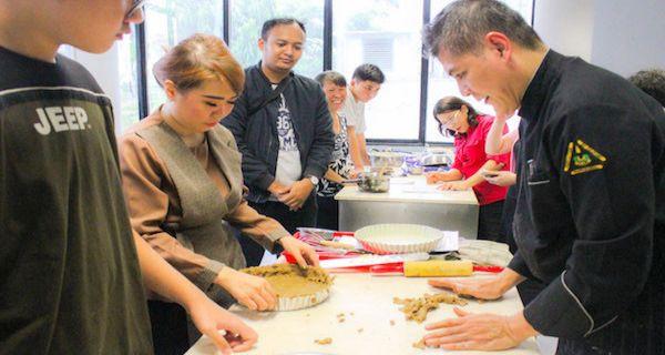 Chef Tusyadi Berbagi Resep Membuat Pie Dan Kue Natal Jpnn Com
