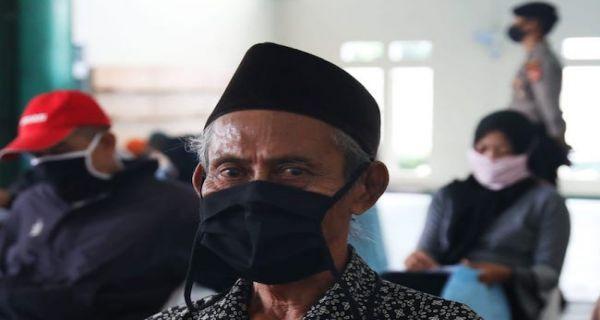 Kantor Pos Padang Perketat Prokes Saat Menyalurkan Bst Gelombang Dua Jpnn Com