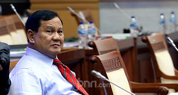 Menteri Pertahanan (Menhan) Prabowo Subianto saat mengikuti rapat kerja Komisi I DPR di Kompleks Parlemen Senayan, Jakarta, Rabu (2/6). Rapat tersebut membahas RKA dan RKP Kemhan Tahun 2022. Foto: Ricardo - JPNN.com